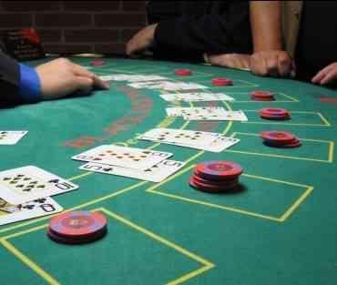 Blackjack, uno de los juegos de cartas favoritos en los casinos