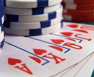 Cuánto influye la suerte en el Poker